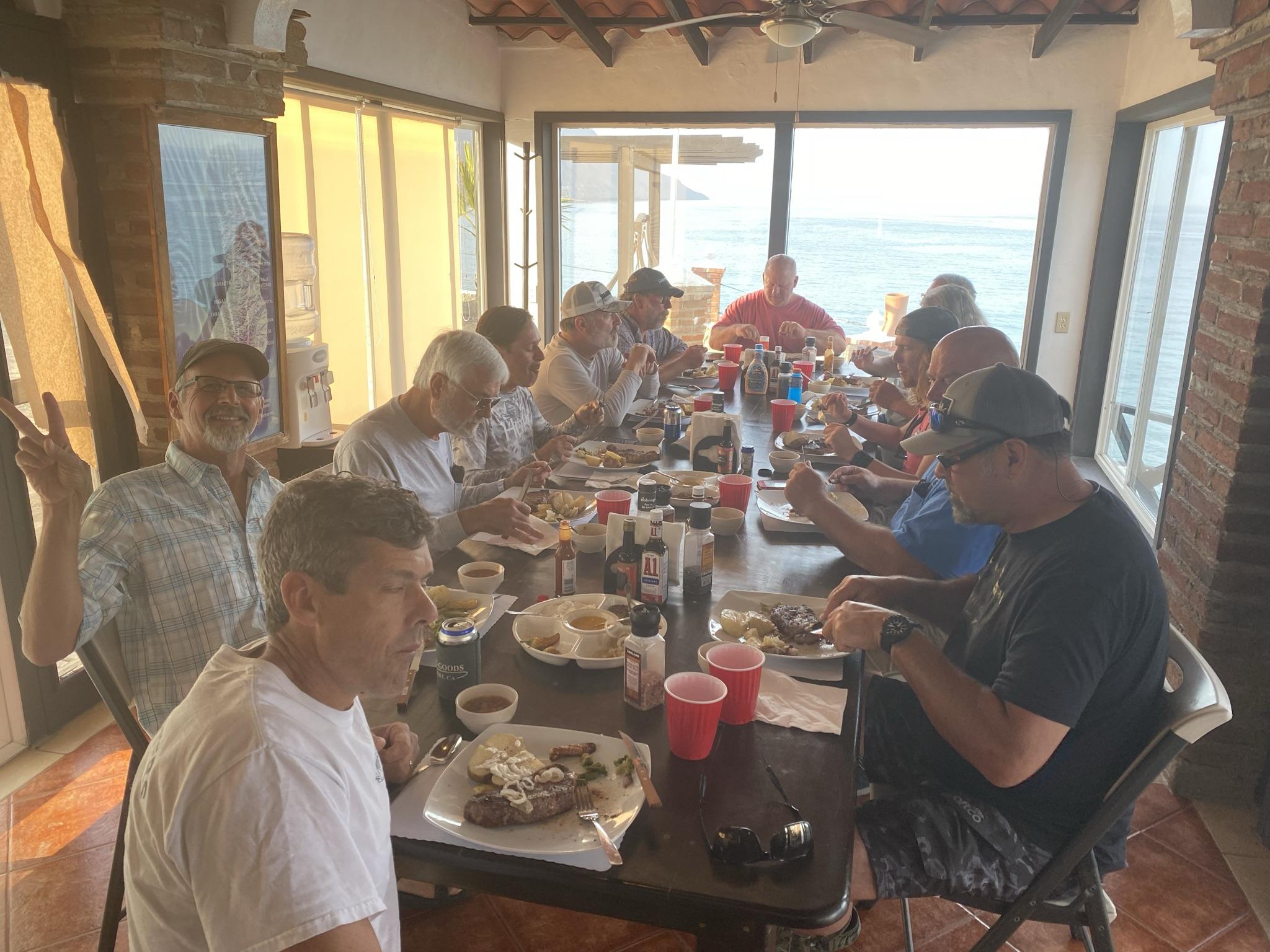 27 dining.JPEG