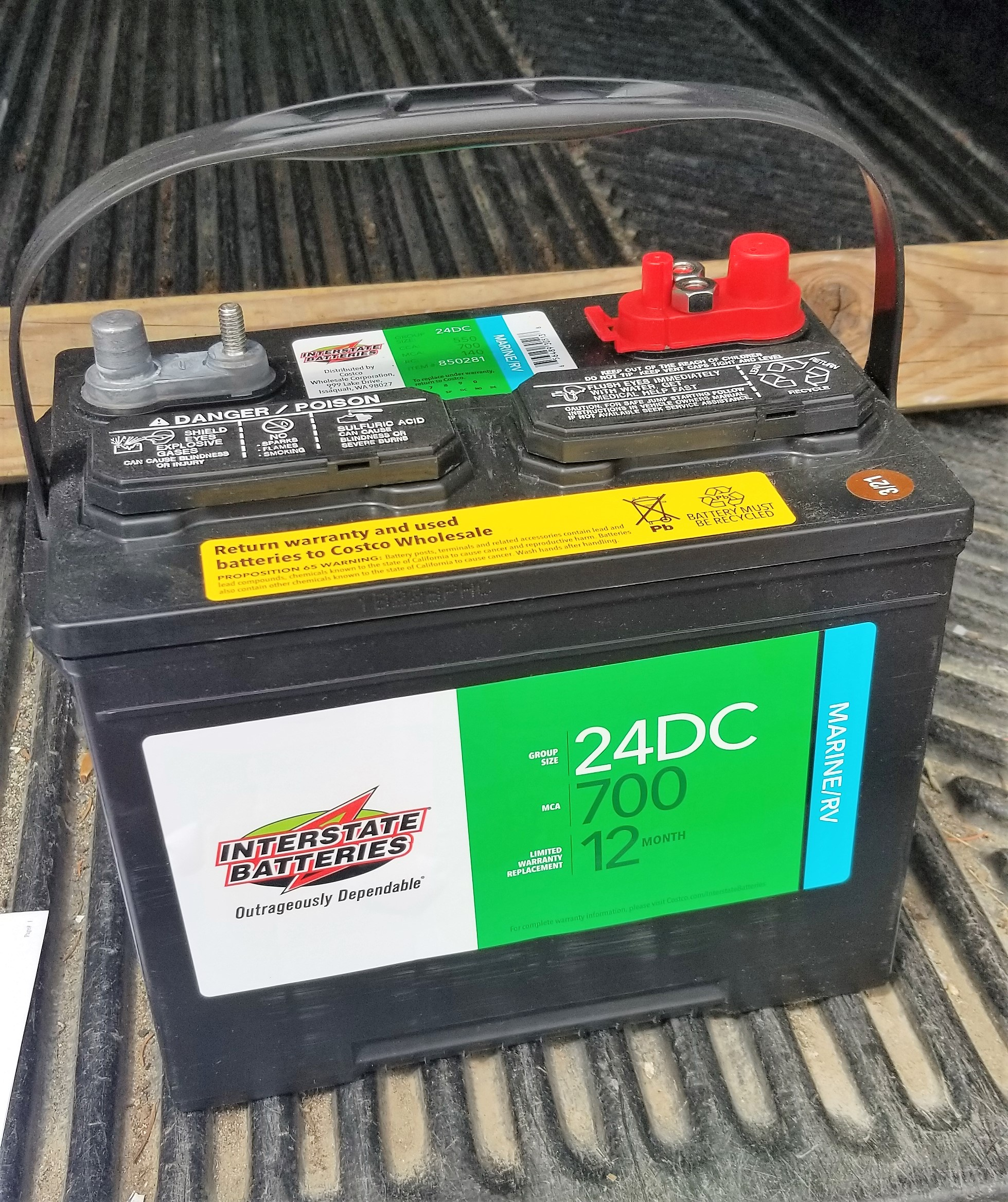 Boat battery.jpg