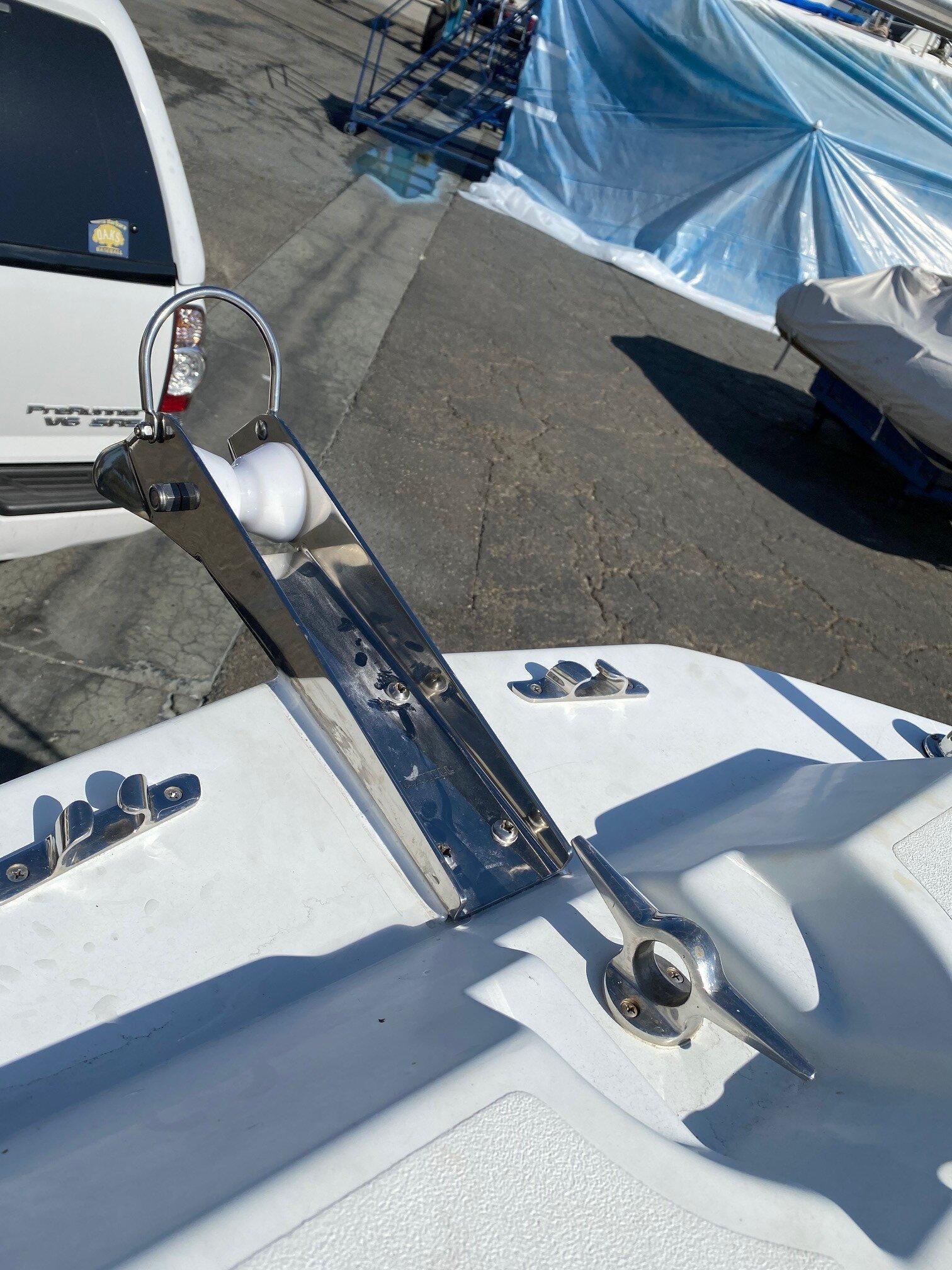 Bow Roller 1.jpg