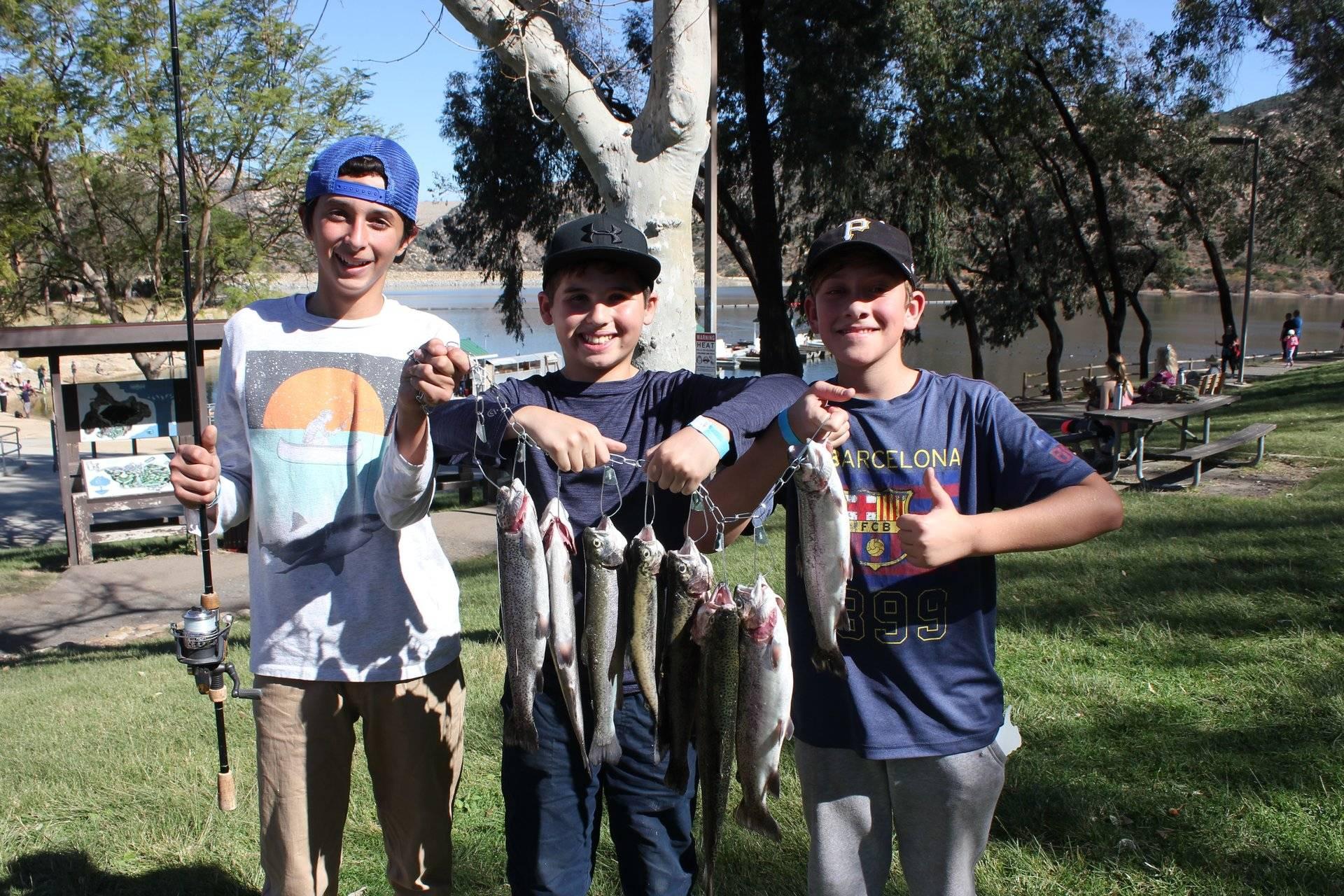 boys fishin.jpg