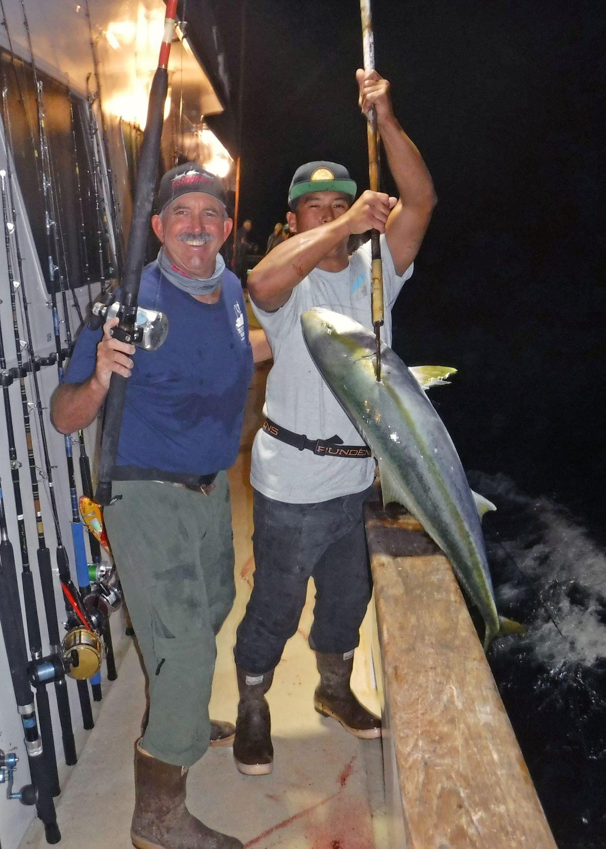 FISH JOHN AND ANTHONY YT ON GAFF DSCF7364.JPG