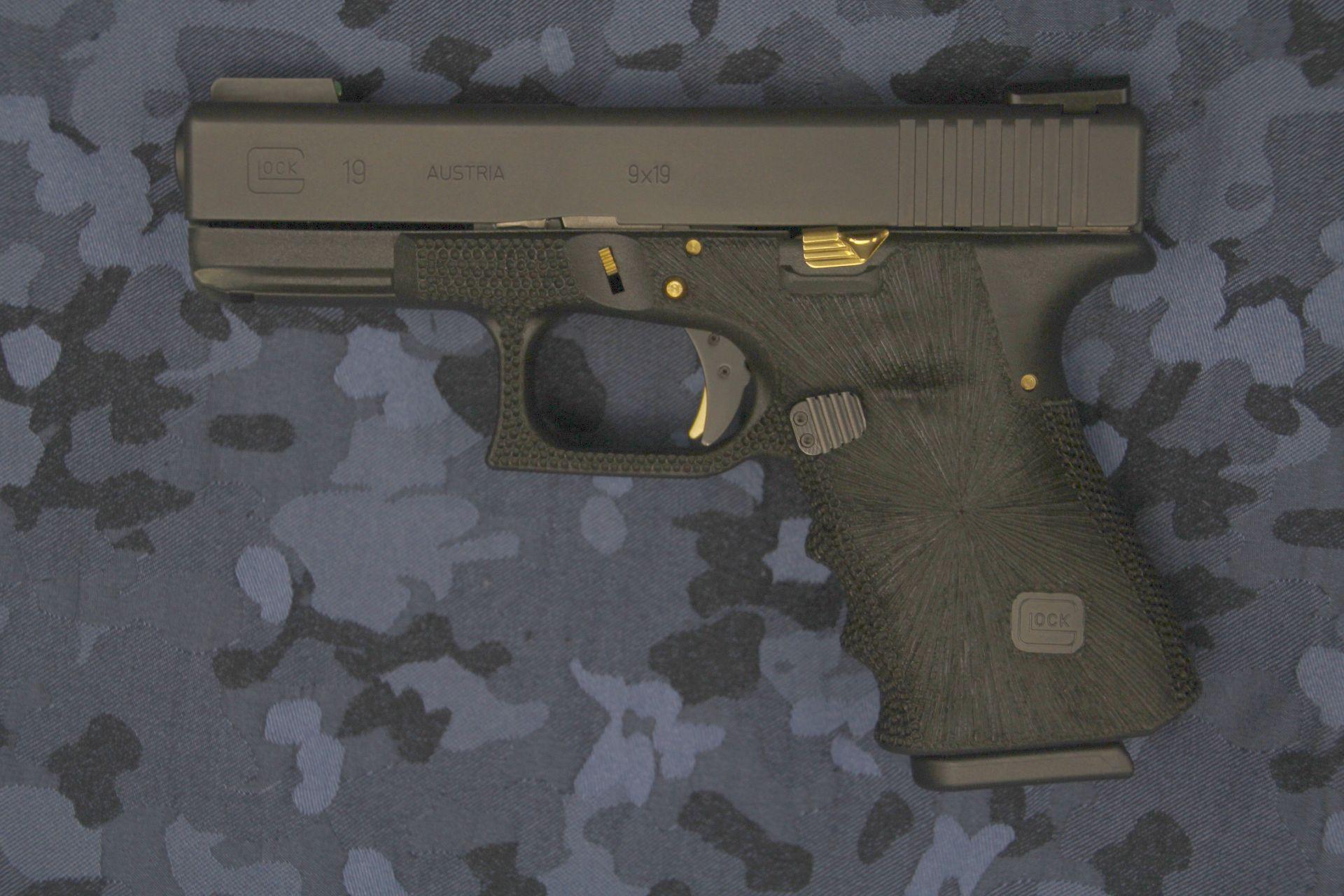 Glock19front.jpg