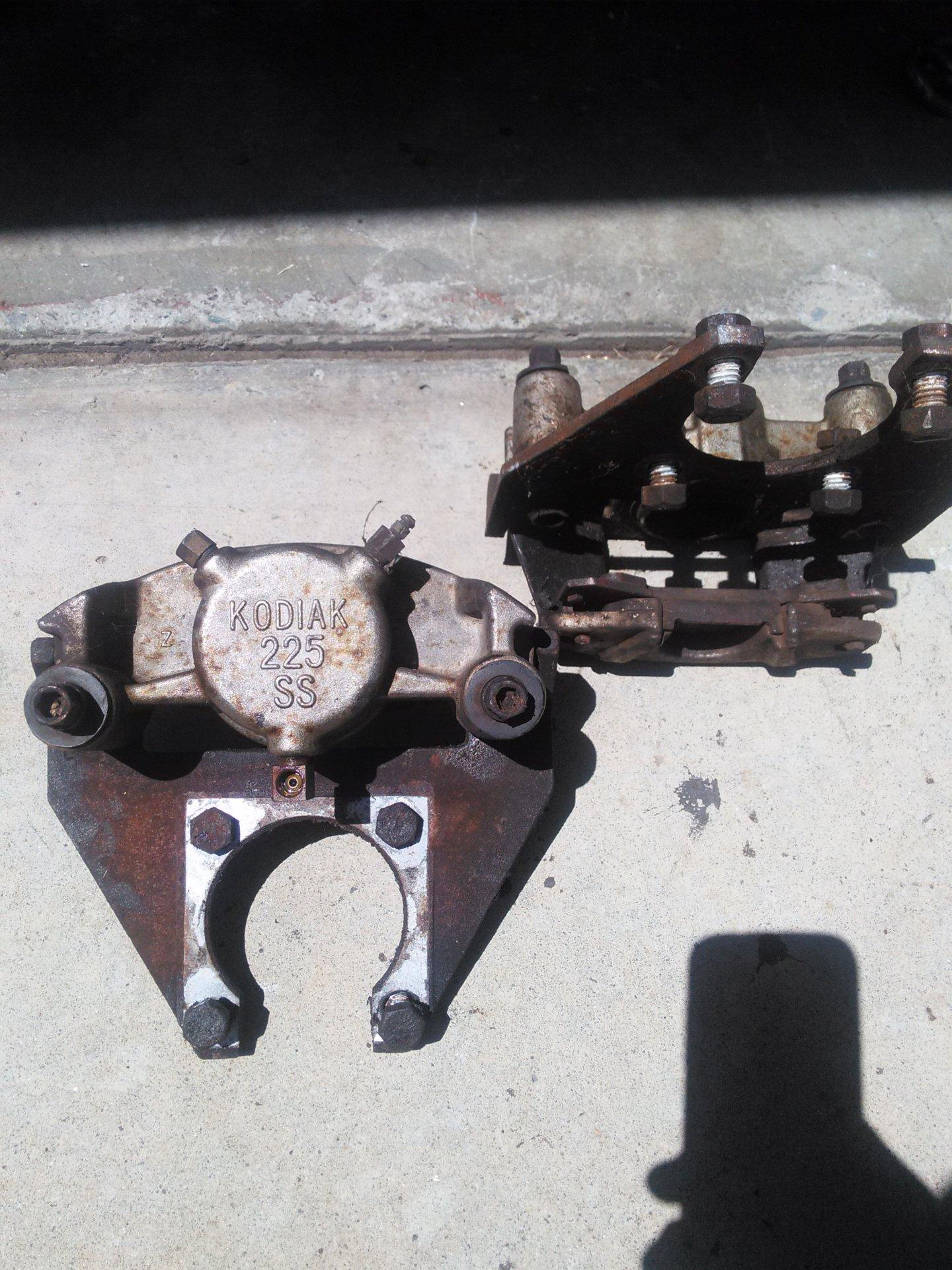 trailer brakes.jpg