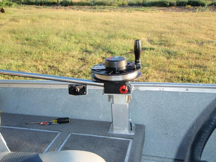 tin boat rod mount 1.jpg
