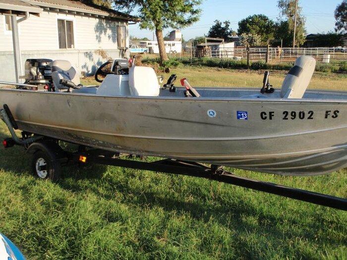 tin boat rod mount 3.jpg