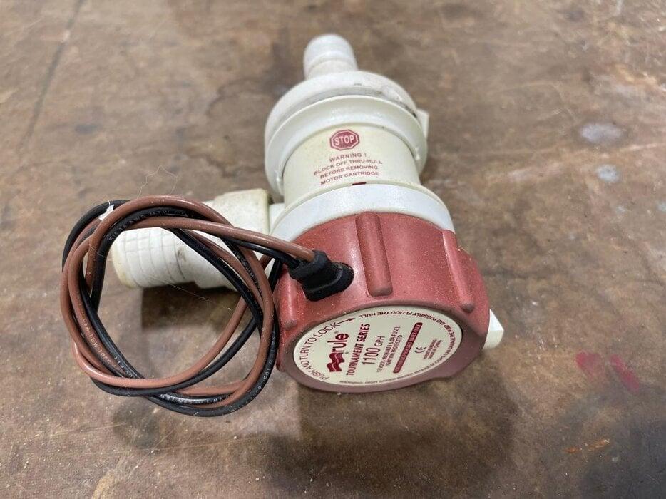 Rule 1100 gph pump