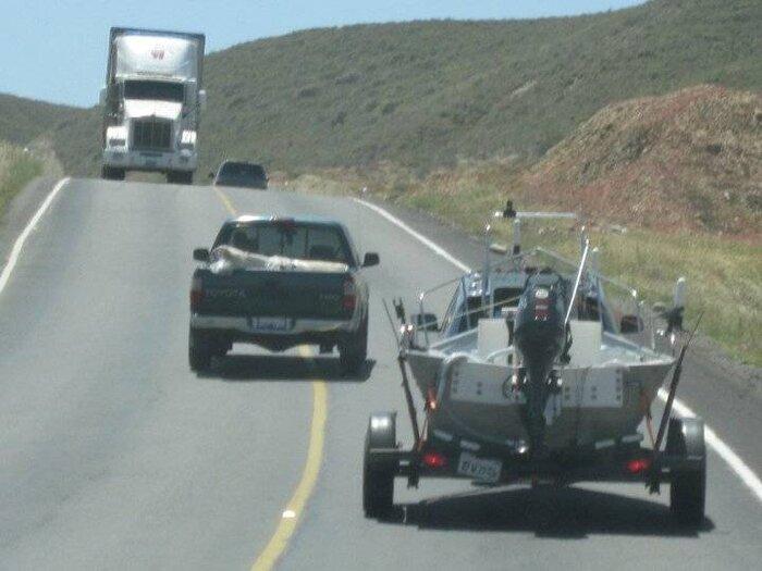 truck comin.jpg
