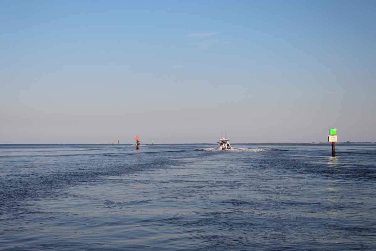 high-speed boat handling