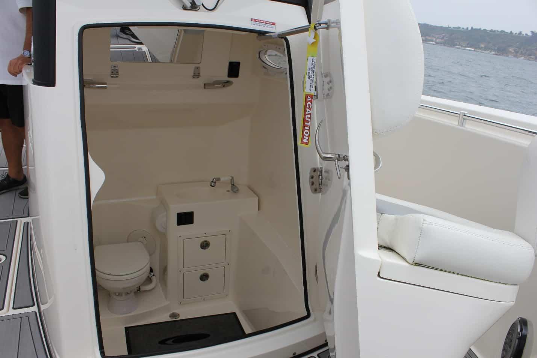 Cobia 301CC Inside
